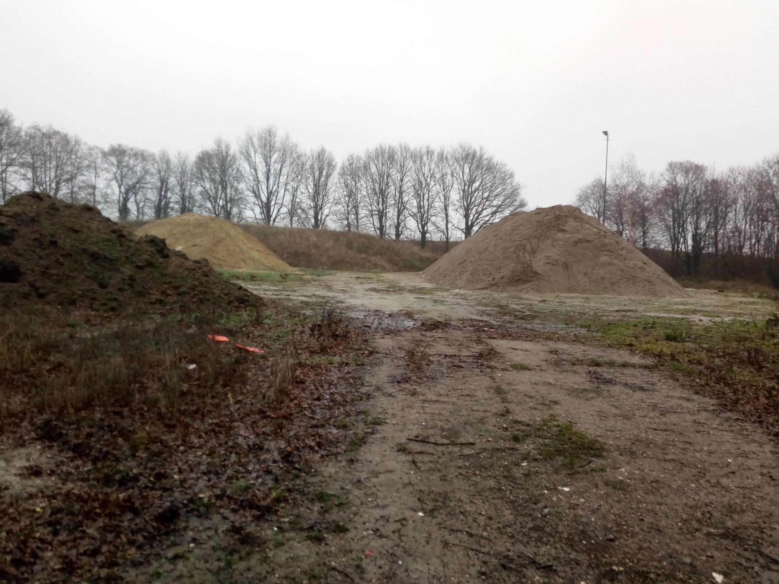 Braakliggend stuk grond